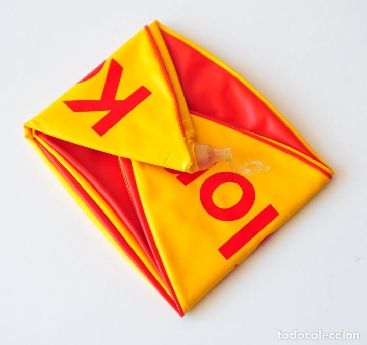 Vintage: Pelota hinchable vintage publicidad de Película Kodacolor. Kodak. Nueva, a estrenar. Amarilla y roja - Foto 2 - 277202468