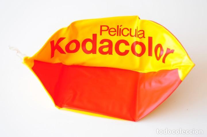 Vintage: Pelota hinchable vintage publicidad de Película Kodacolor. Kodak. Nueva, a estrenar. Amarilla y roja - Foto 3 - 277202468