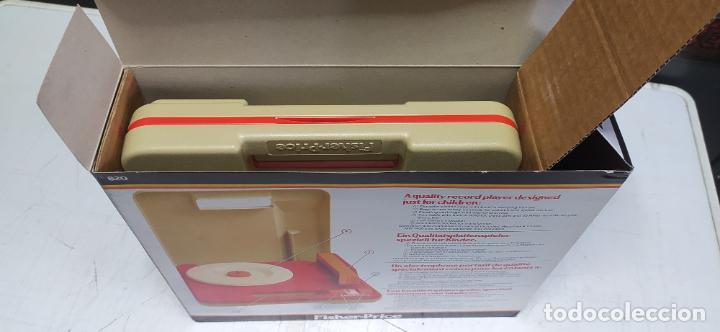 Vintage: fisher-price portable record player tocadiscos a pilas nuevo en su caja 1983 hong kong - Foto 4 - 278425483