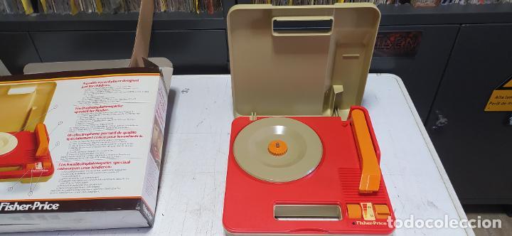 Vintage: fisher-price portable record player tocadiscos a pilas nuevo en su caja 1983 hong kong - Foto 5 - 278425483