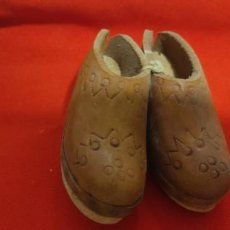 Vintage: 2 BOTINES PEQUEÑOS. Lote 278955438