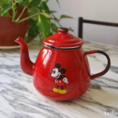 Vintage: TETERA DE HIERRO ESMALTADO - MICKEY MOUSE - WALT DISNEY - CAFETERA. Lote 282945723