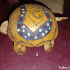 Vintage: ANTIGUO TORTUGA DE MADERA ARTESANAL DE CUBA CABEZA Y RABOS TIRANTES. Lote 285766768