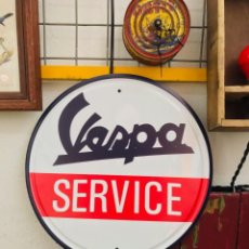 Vintage: CARTEL DE METAL VESPA SERVICE LETRERO REPRODUCCIÓN ESTILO ANTIGUO CHAPA DECORACIÓN VINTAGE MOTO. Lote 163606604