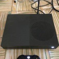 Xbox One: XBOX ONE S 1 TERA TB XONE COLOR MILITAR OSCURO CON MANDO NEGRO Y CABLES. Lote 235973500